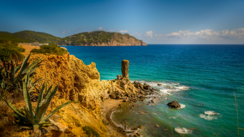 Ibiza - Winter sun minus the jetlag - MyLateDeals