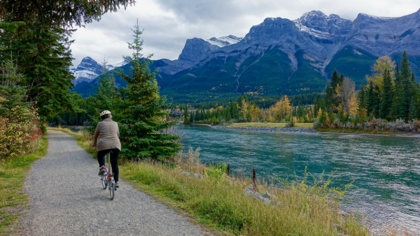 Tips to offset your travel footprint - Travel by bicycle - MyLateDeals